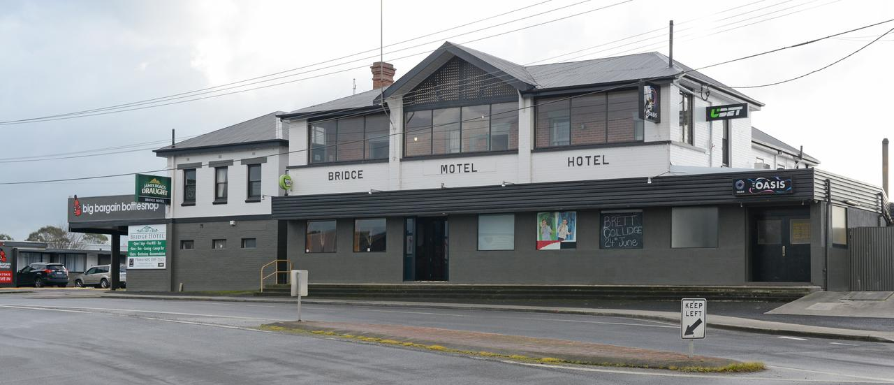 Bridge Hotel - Accommodation QLD