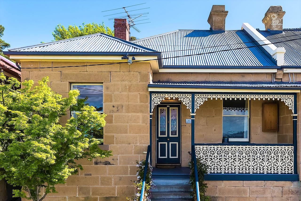 WEST NEST  Classic 3BR Hobart Terrace BEST Location View Close to City - Accommodation QLD