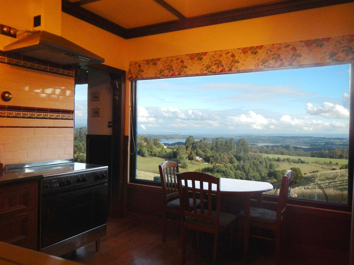 A Cottage with a View at Tudor Ridge - Accommodation QLD