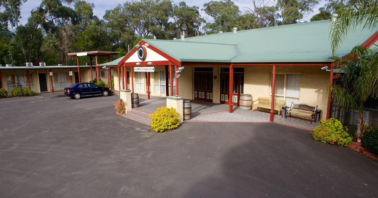Sanctuary House Resort Motel - Accommodation QLD