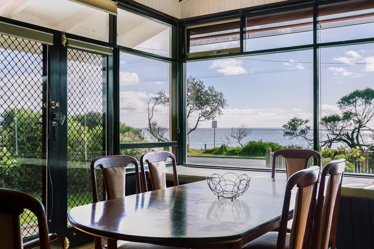 Beach Front Beauty - Ocean front views - Accommodation QLD
