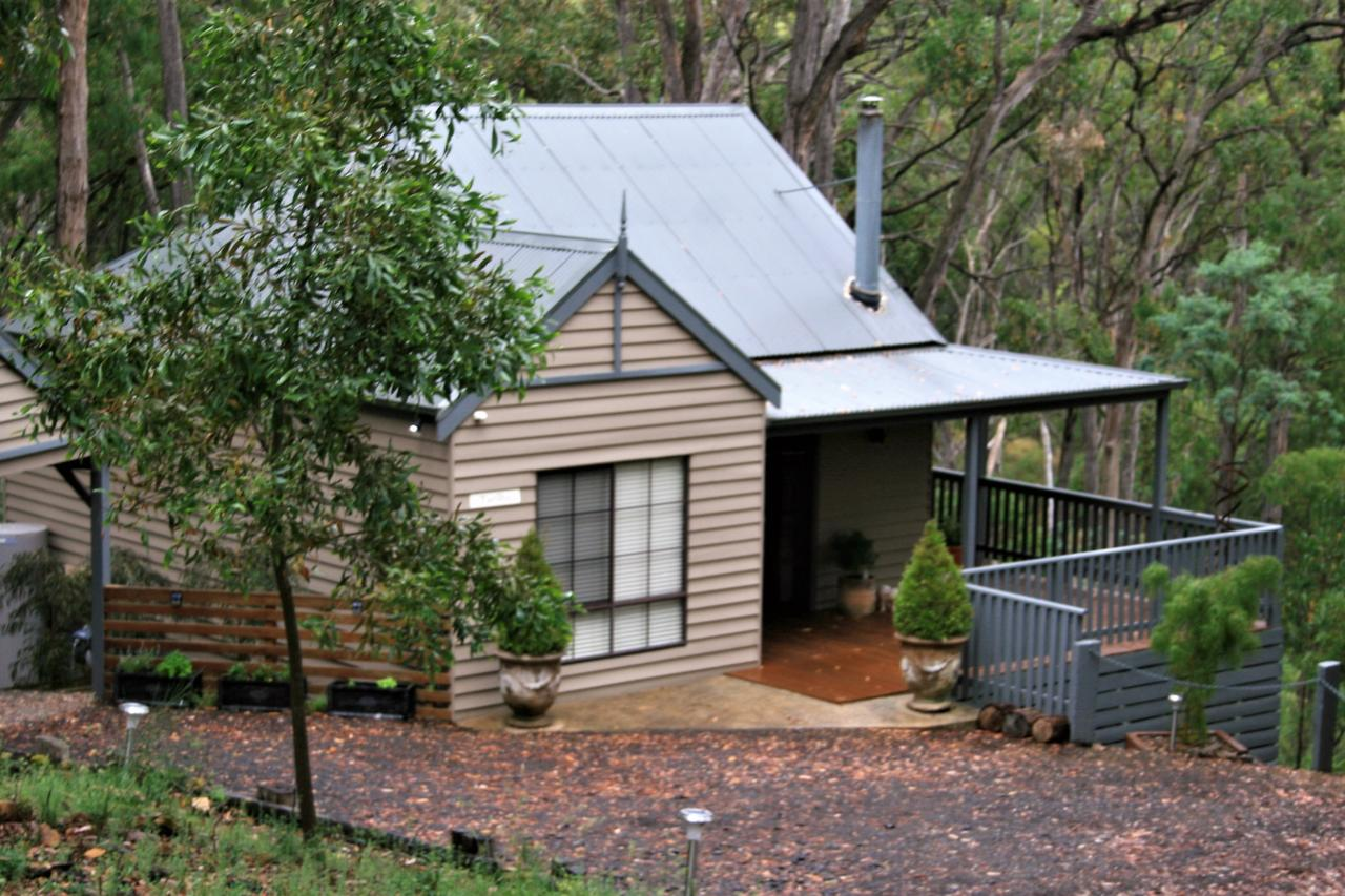 Tangenong Cottages - Accommodation QLD