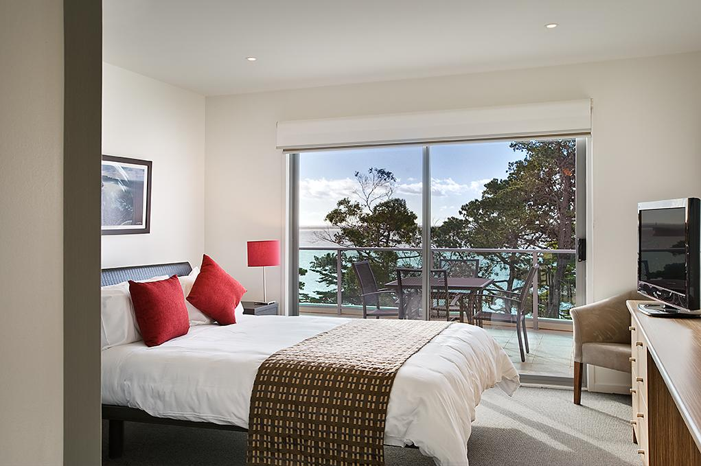 Waves Apartments - Accommodation QLD