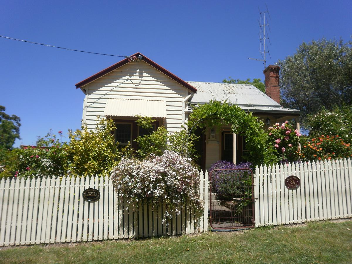 Miss Pym's Cottage - Accommodation QLD