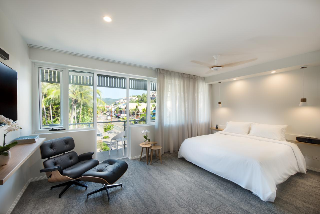 Heart Hotel and Gallery Whitsundays - Accommodation QLD