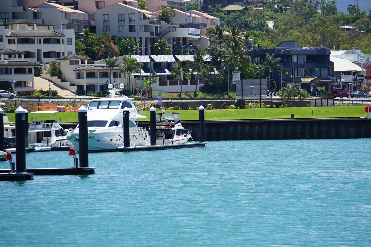 Airlie Seaview Apartments - Accommodation QLD