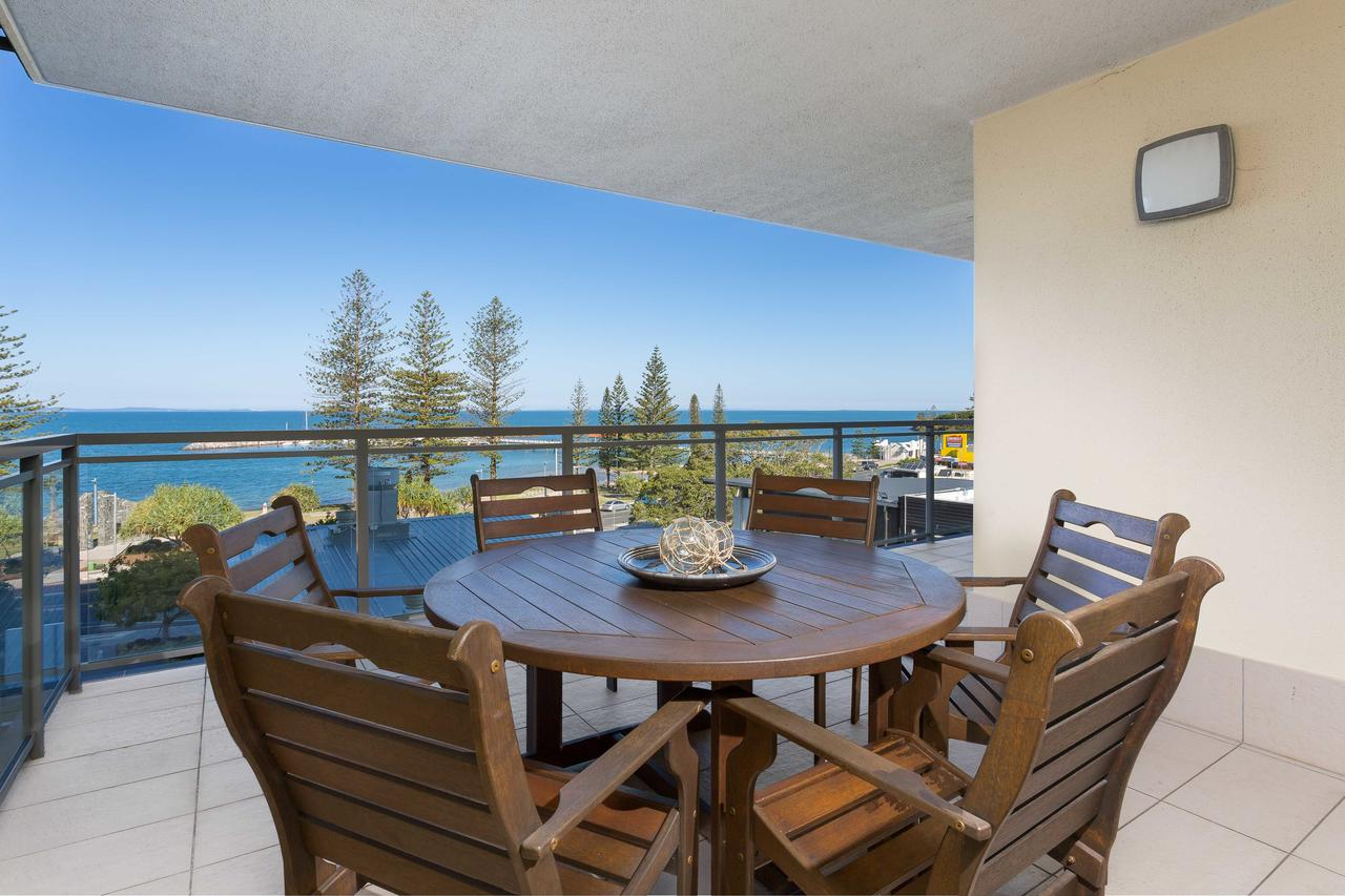 Proximity Waterfront Apartments - Accommodation QLD