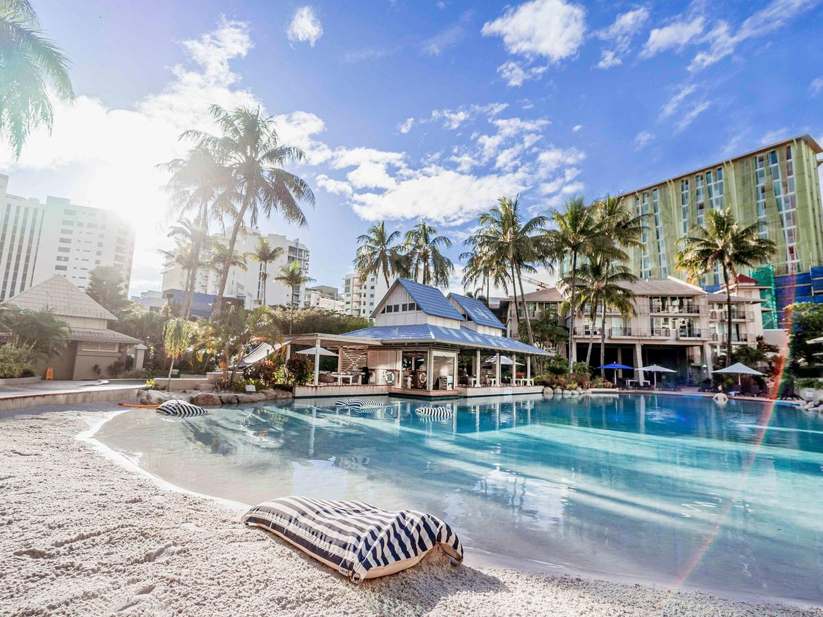 Novotel Cairns Oasis Resort - Accommodation QLD