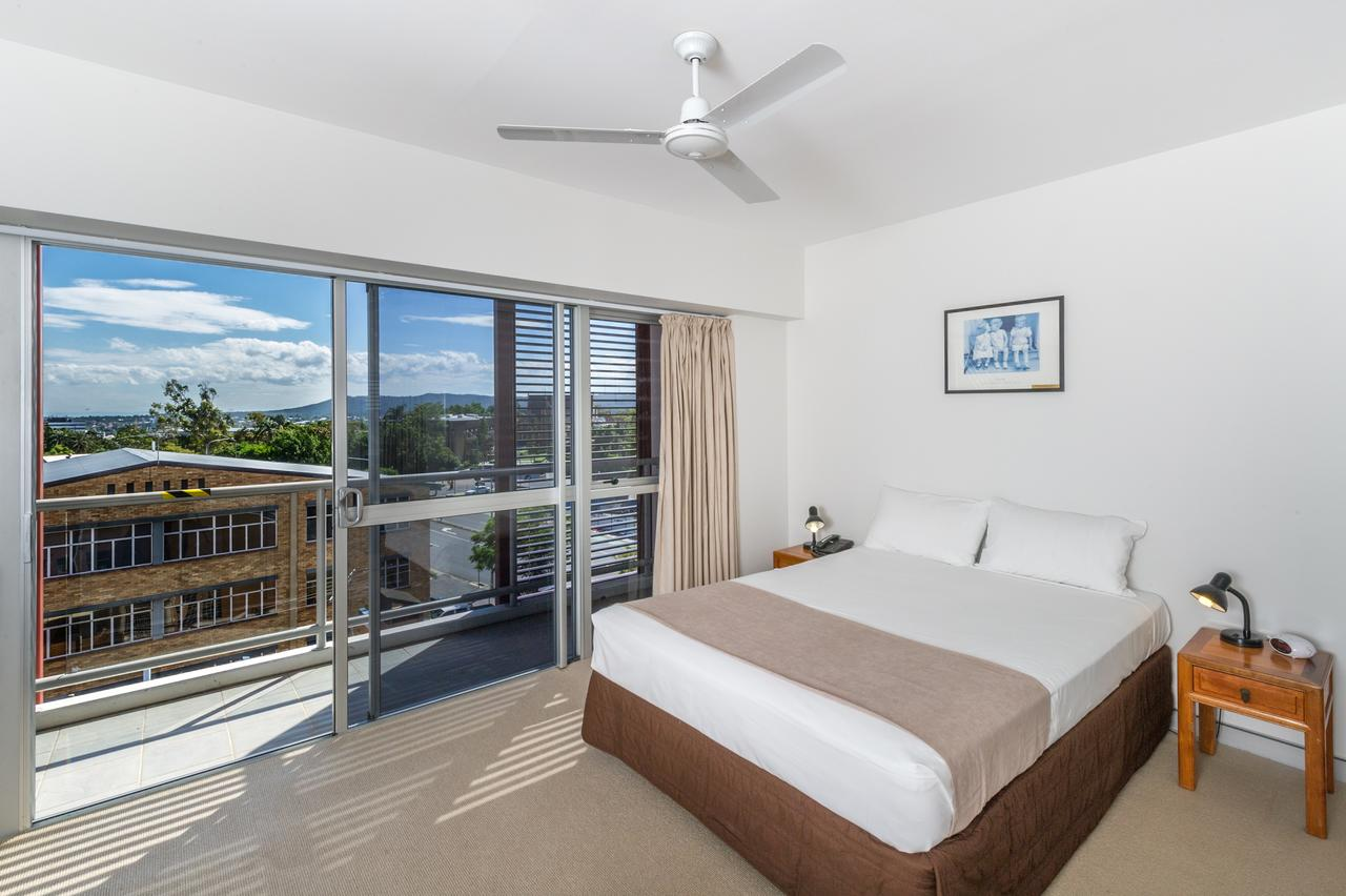 Motel on Gregory - Accommodation QLD