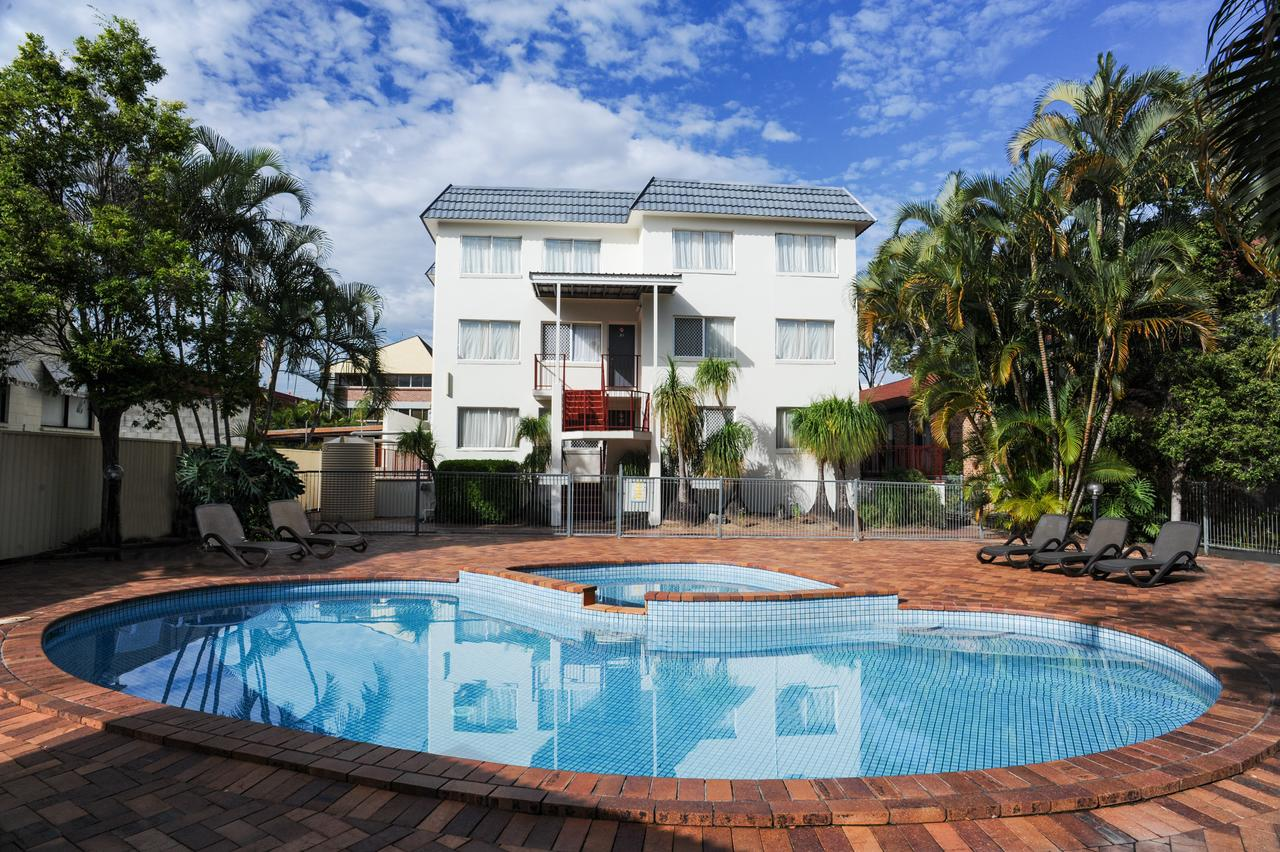 Earls Court Motel  Apartments - Accommodation QLD