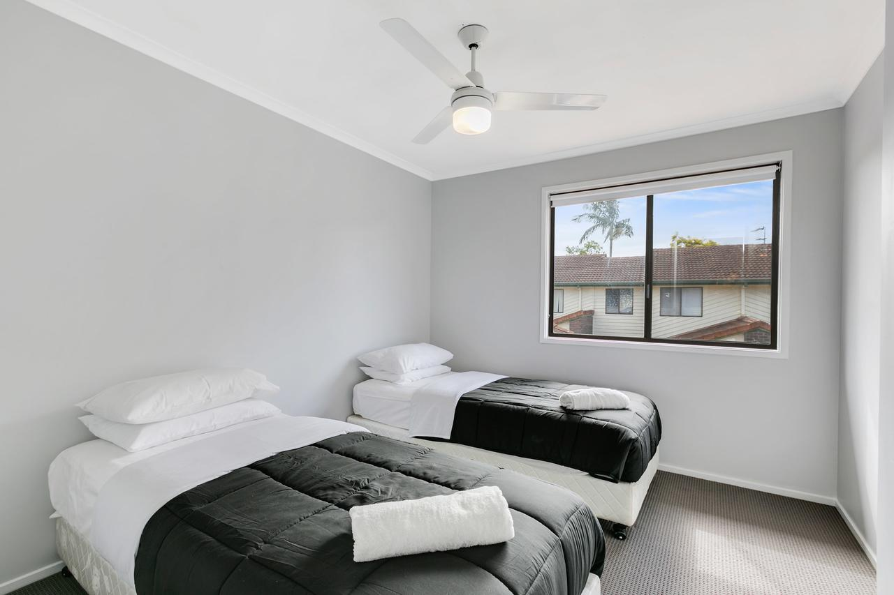 Fountain View Estate - We Accommodate - Accommodation QLD