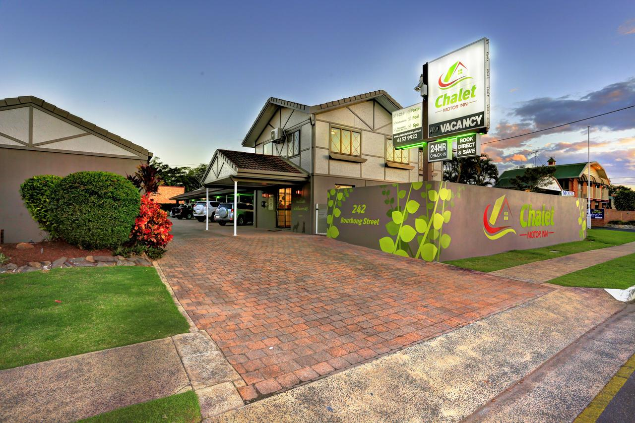 Chalet Motor Inn - Accommodation QLD
