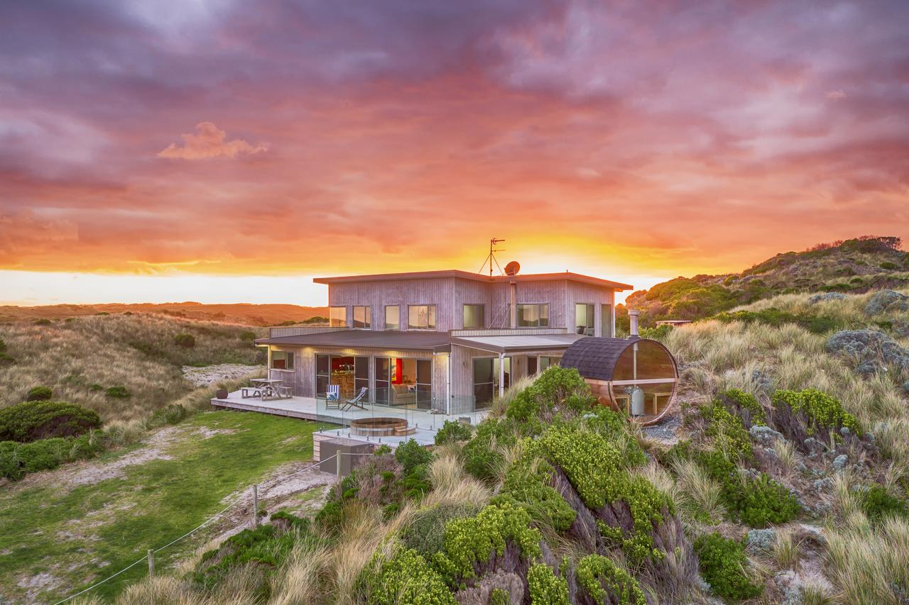 Porky Beach Retreat - King Island Escapes - Accommodation QLD