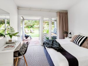 Pinetrees Lodge - Accommodation QLD